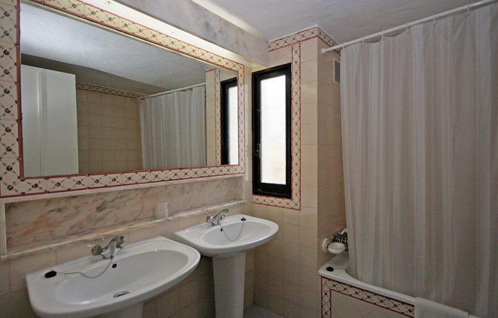 Prado do Golf standard villas - bathroom